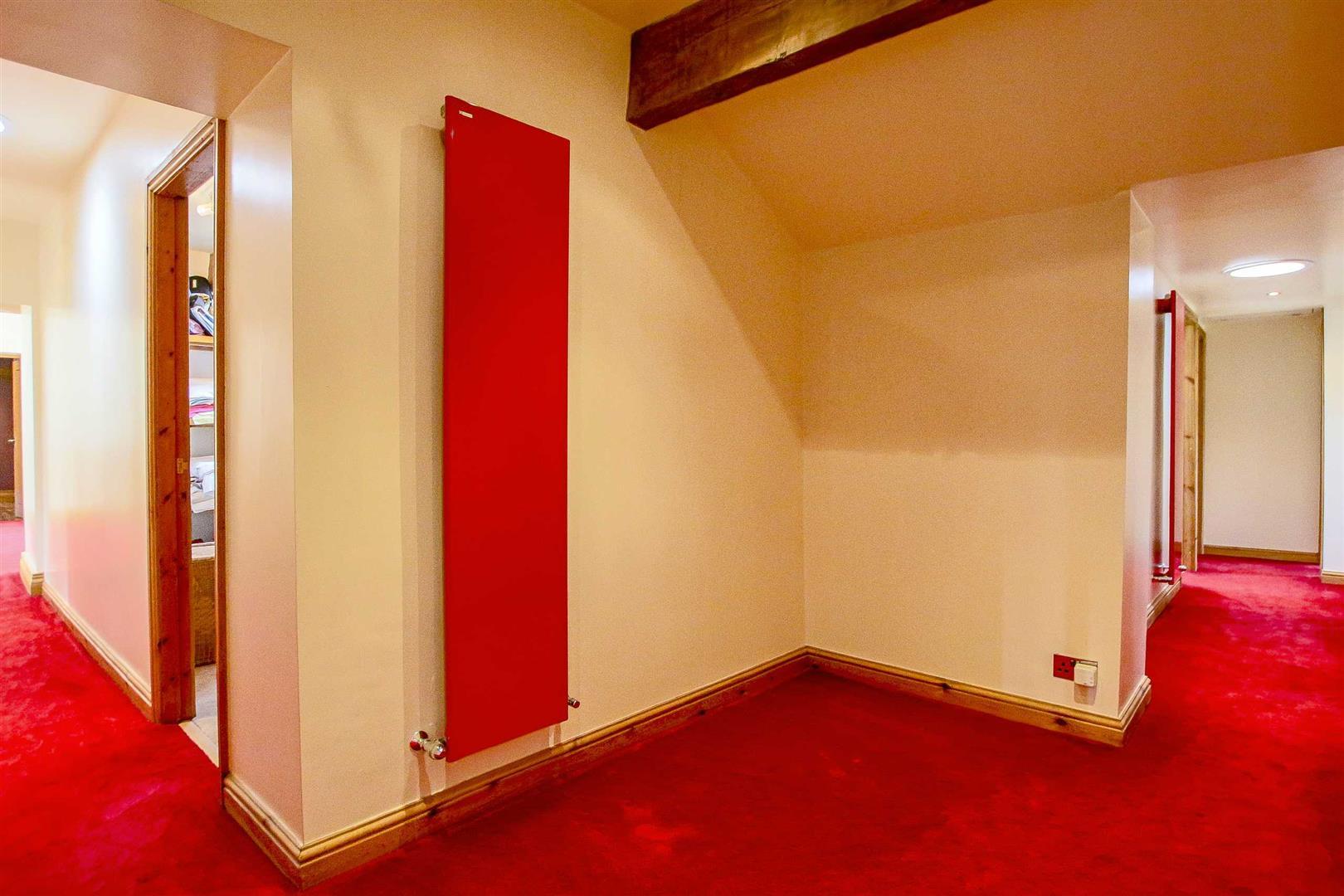 5 Bedroom Cottage For Sale - Image 45